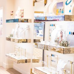 Kendra Scott Arrives at Village Pointe!