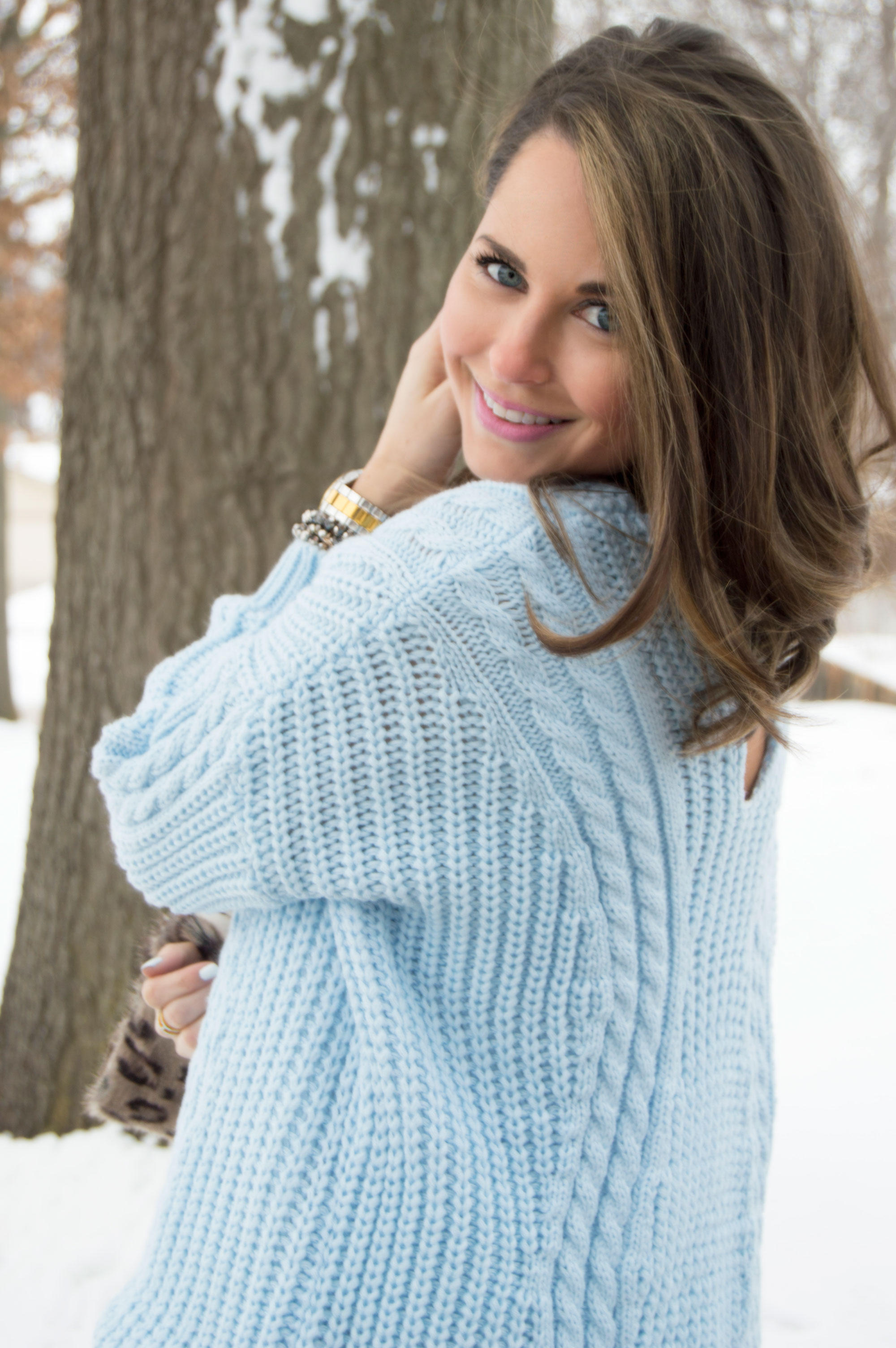 Cozy Blue Hues   Chic Faux Fur | Sabby Style