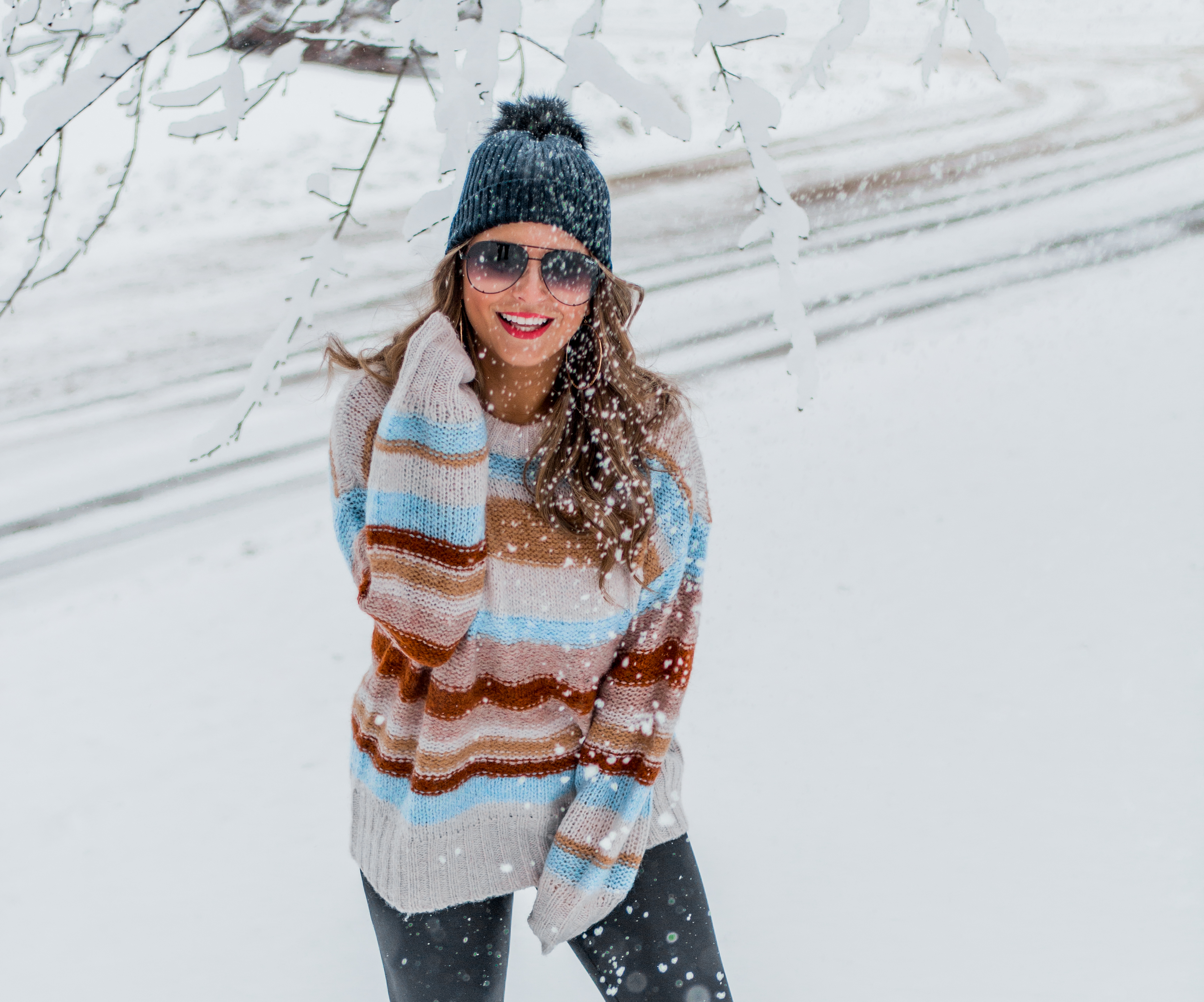 Women's Fashion - American Eagle Sweater - Hunter Boots - Beanie - Snow Day - OOTD - Fashion Blogger - Winter Fashion - 14