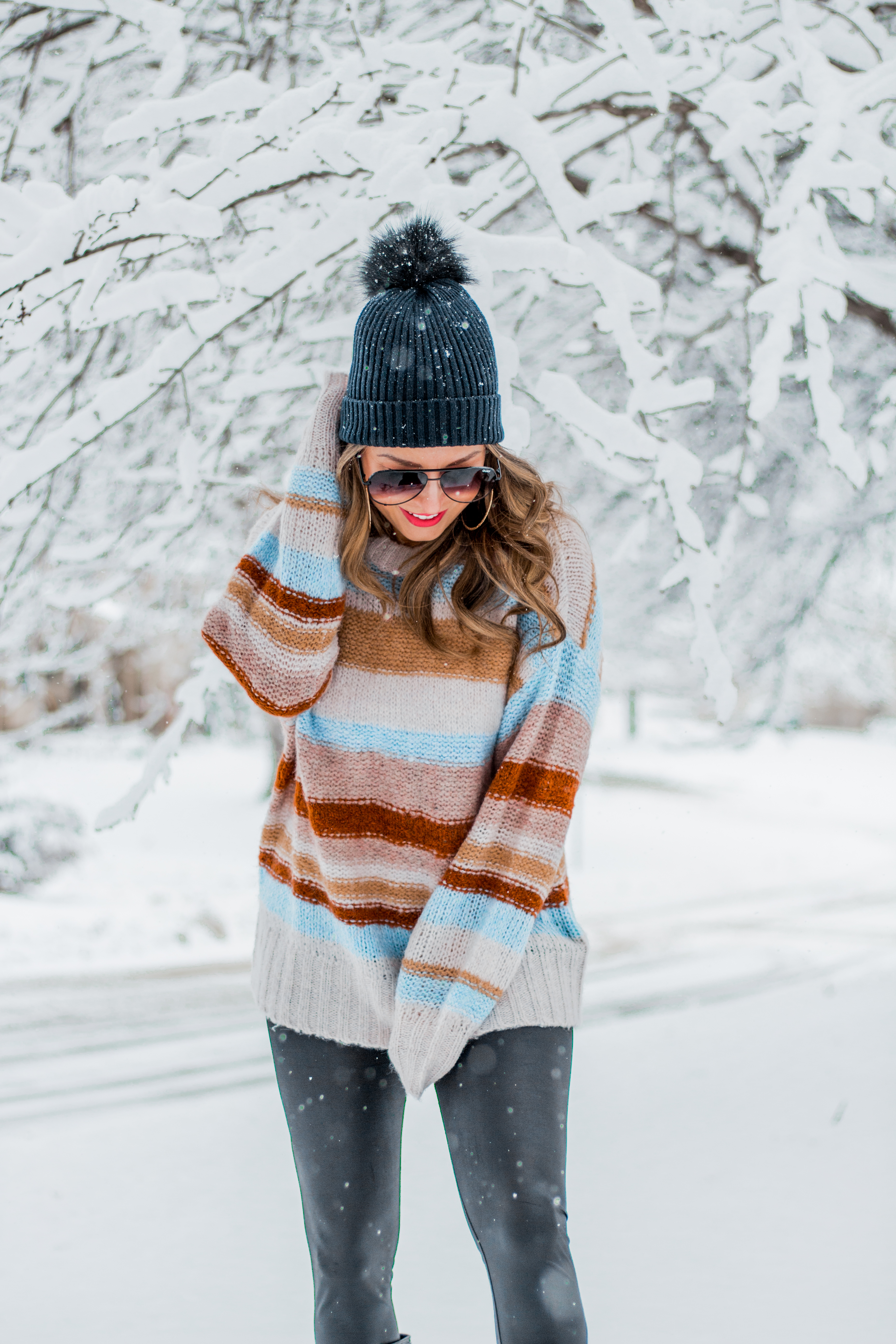 Women's Fashion - American Eagle Sweater - Hunter Boots - Beanie - Snow Day - OOTD - Fashion Blogger - Winter Fashion - 7