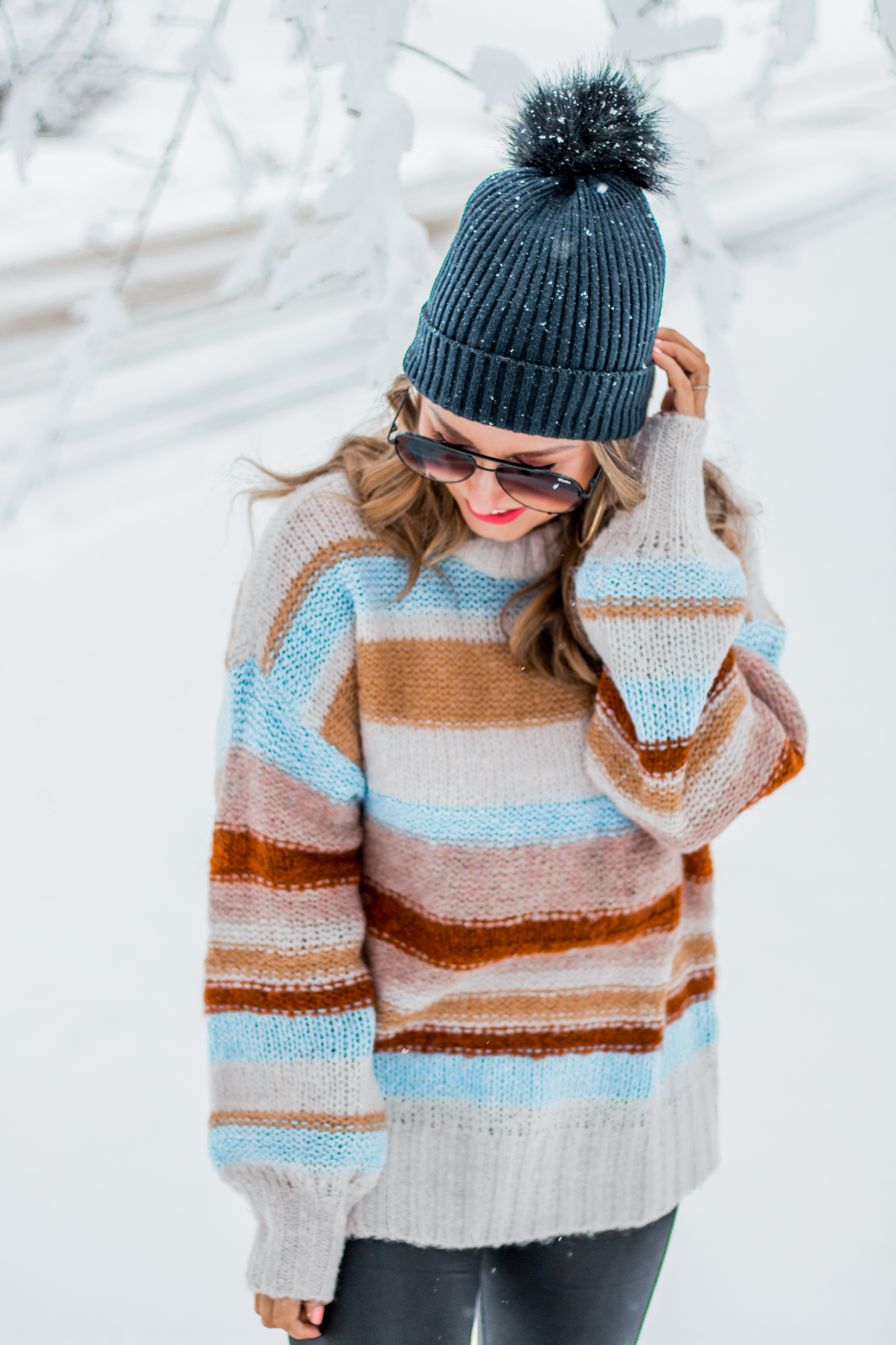 Women's Fashion - American Eagle Sweater - Hunter Boots - Beanie - Snow Day - OOTD - Fashion Blogger - Winter Fashion - 10
