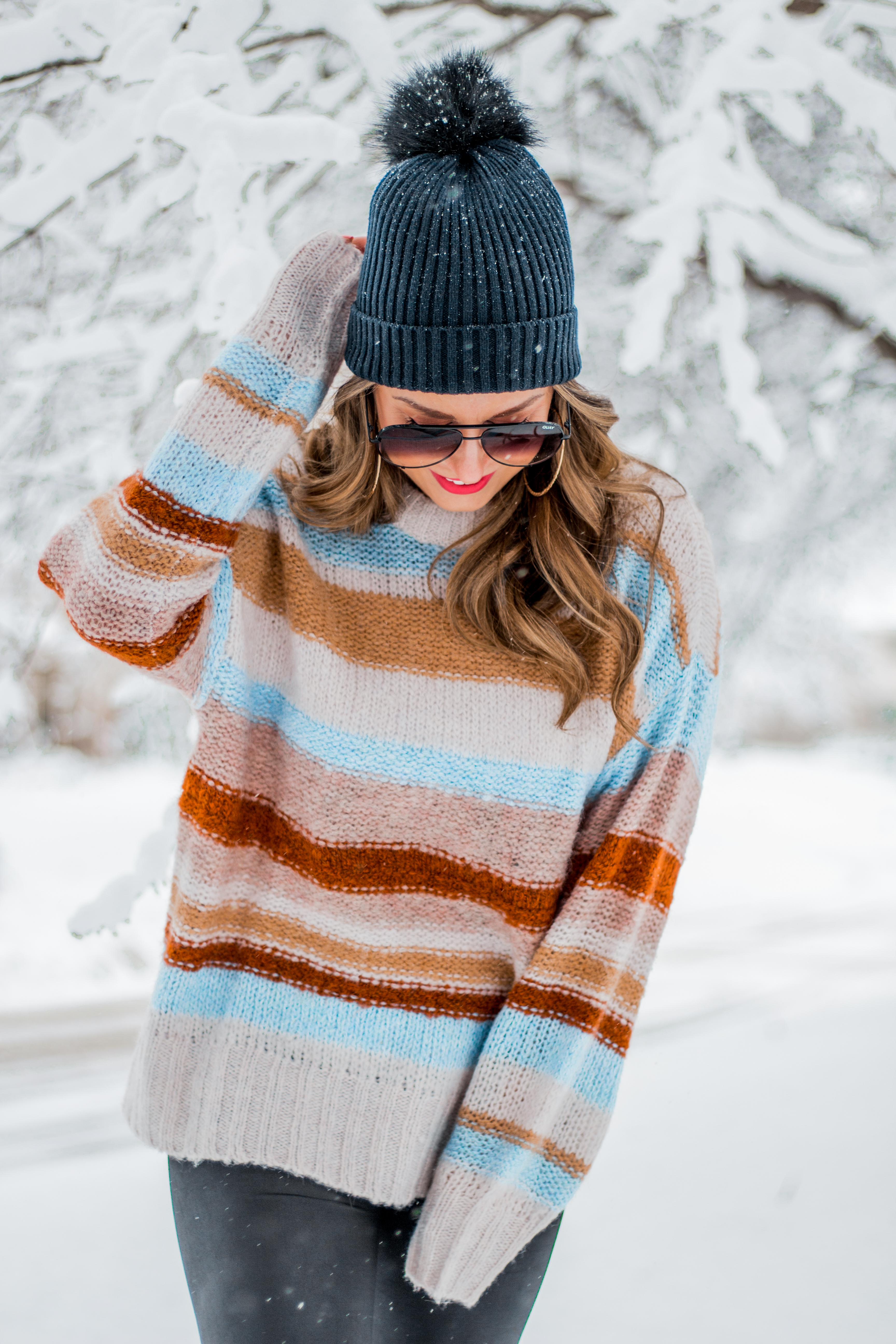 Women's Fashion - American Eagle Sweater - Hunter Boots - Beanie - Snow Day - OOTD - Fashion Blogger - Winter Fashion - 9