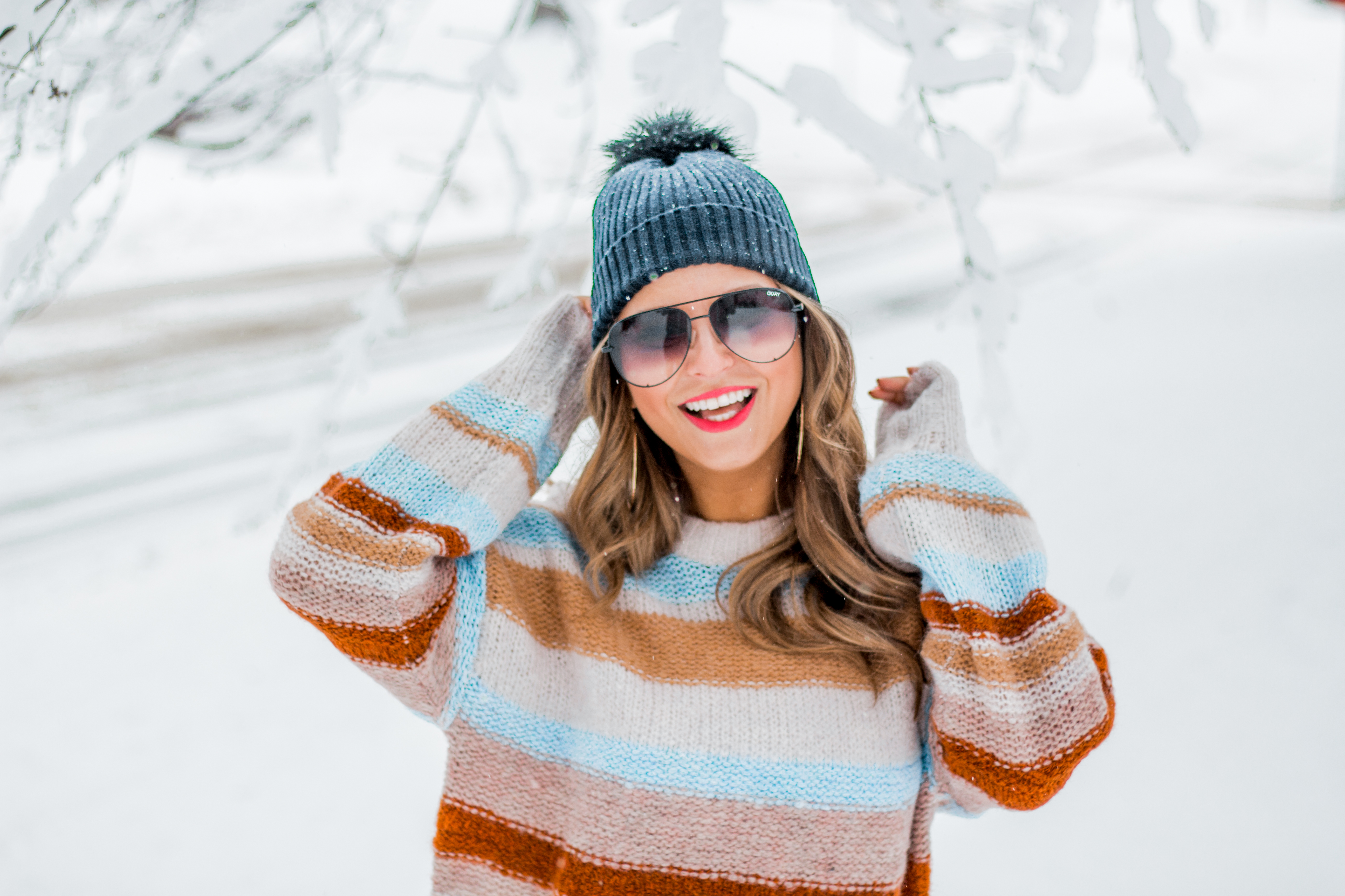 Women's Fashion - American Eagle Sweater - Hunter Boots - Beanie - Snow Day - OOTD - Fashion Blogger - Winter Fashion - 11