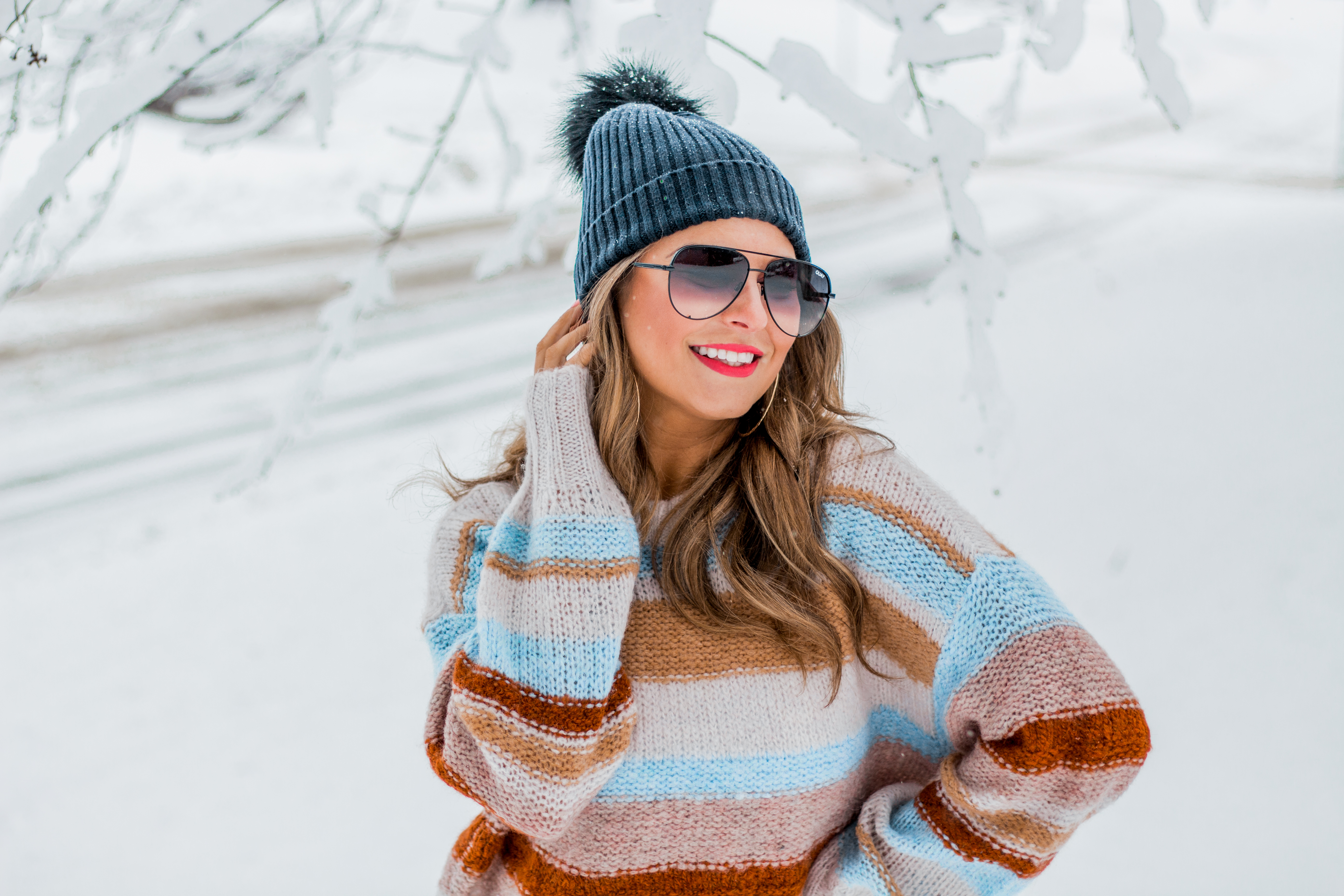 Women's Fashion - American Eagle Sweater - Hunter Boots - Beanie - Snow Day - OOTD - Fashion Blogger - Winter Fashion - 6