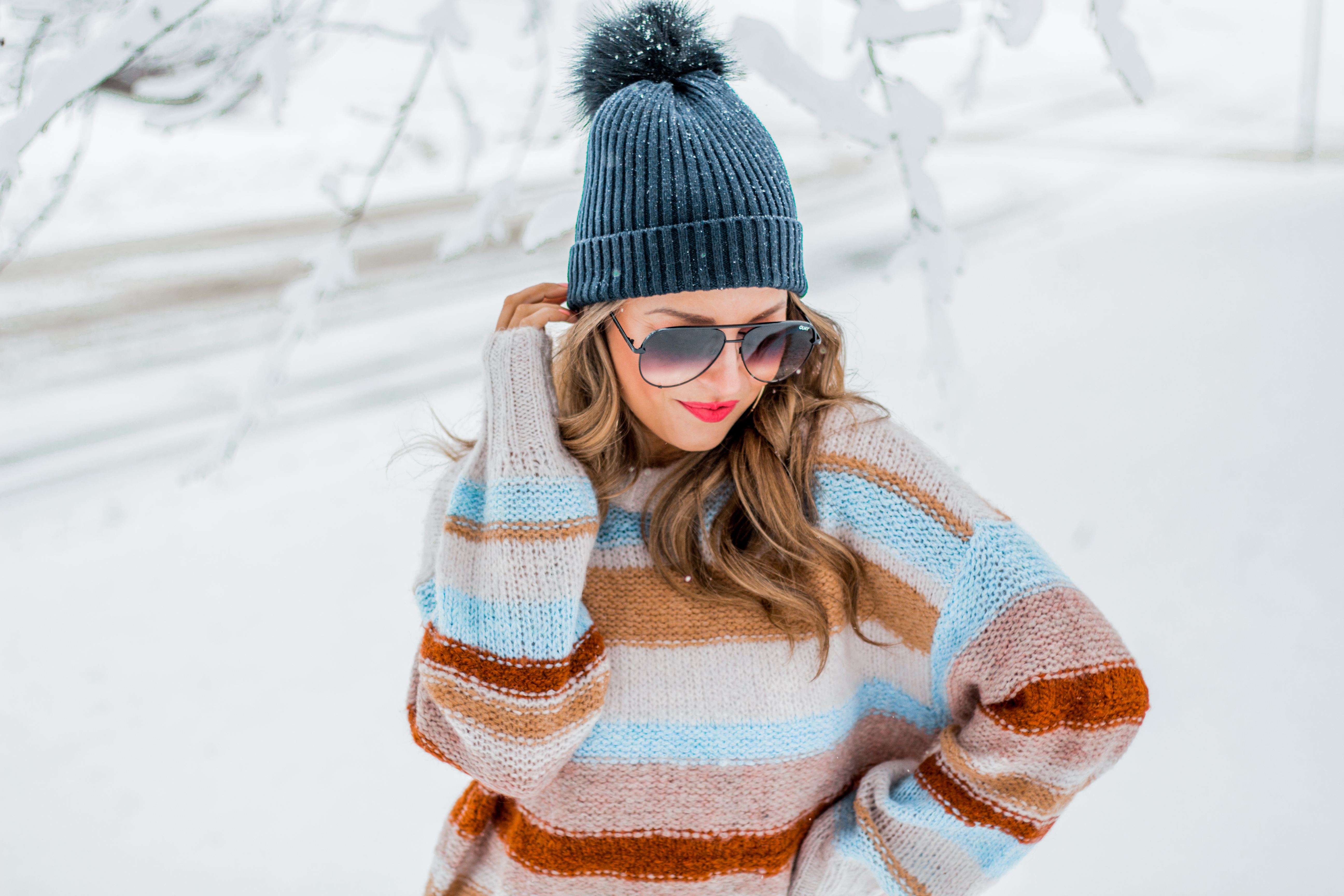 Women's Fashion - American Eagle Sweater - Hunter Boots - Beanie - Snow Day - OOTD - Fashion Blogger - Winter Fashion - 4