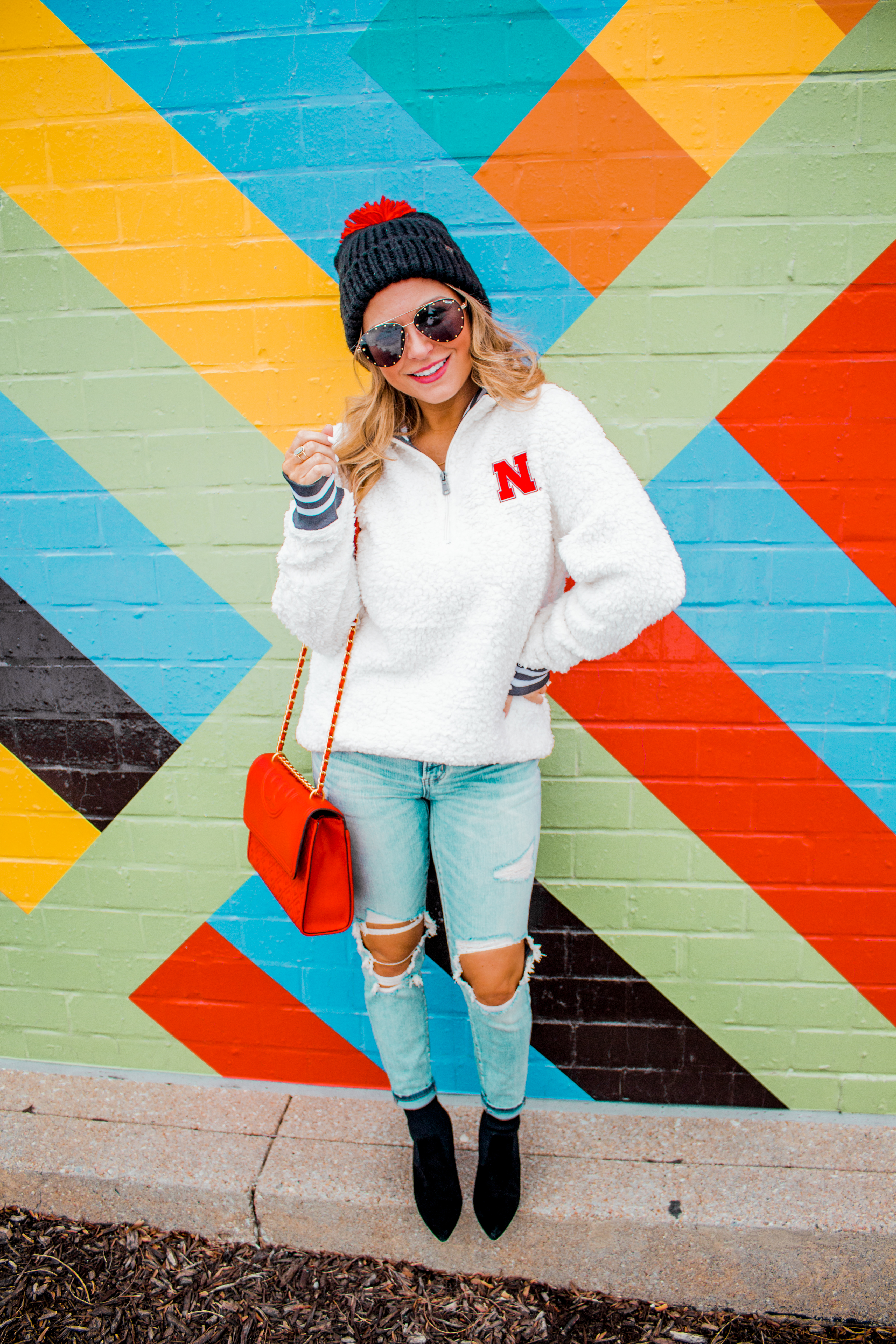 Nebraska - Women's Fashion - Sherpa - Husker - Pullover - Husker Gear - Omaha Blogger - Sabby Style - Casual Outfit - 5