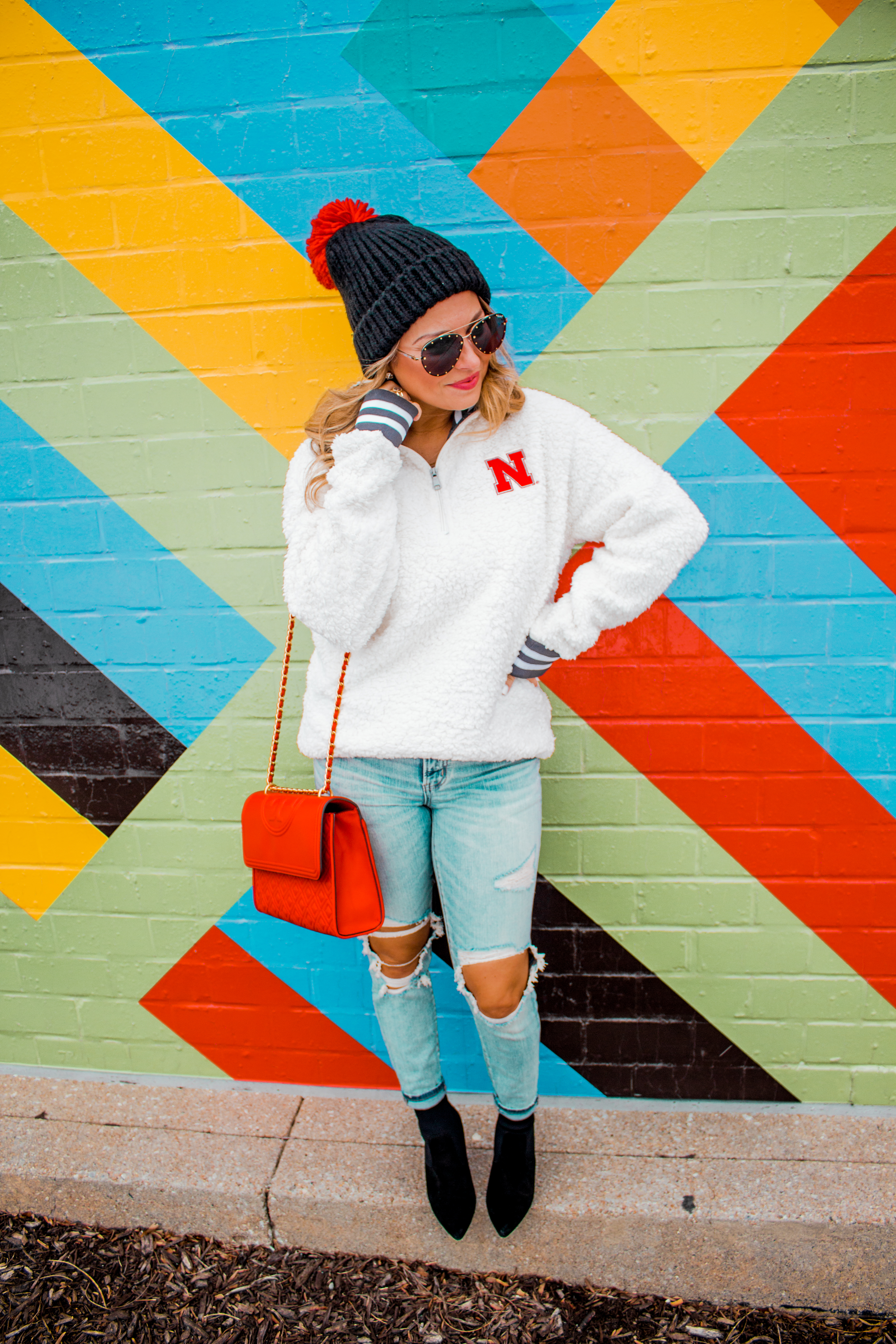 Nebraska - Women's Fashion - Sherpa - Husker - Pullover - Husker Gear - Omaha Blogger - Sabby Style - Casual Outfit - 20