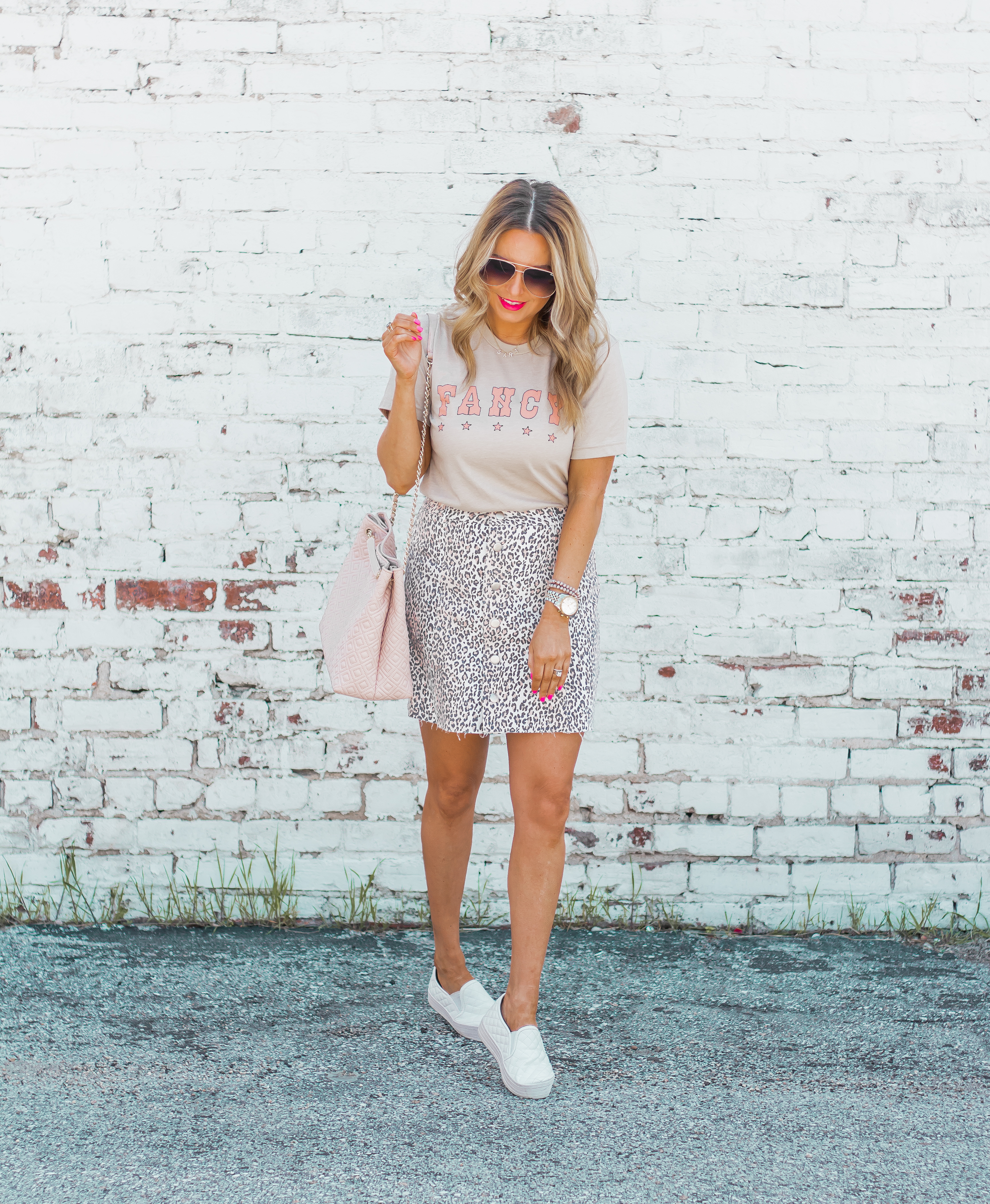 Fancy Graphic Tee-Leopard Skirt-Sugar Boutique-$250 Gift Card Giveaway-Tory Burch Fleming Bag-Quay Sunglasses-Sabby Style-Omaha Blogger-Women's Fashion-Spring Fashion-Summer Outfit-15
