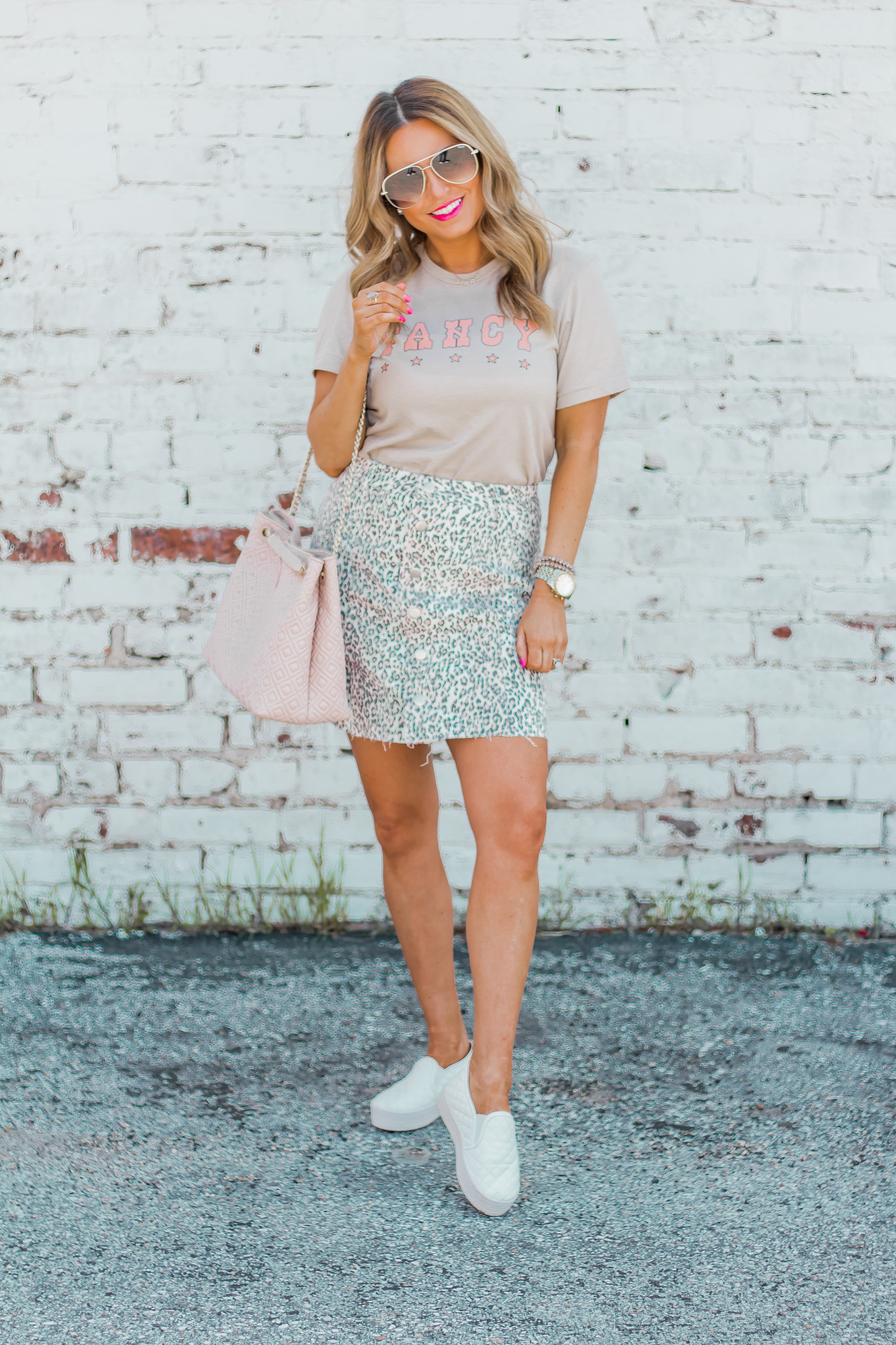 Fancy Graphic Tee-Leopard Skirt-Sugar Boutique-$250 Gift Card Giveaway-Tory Burch Fleming Bag-Quay Sunglasses-Sabby Style-Omaha Blogger-Women's Fashion-Spring Fashion-Summer Outfit-11