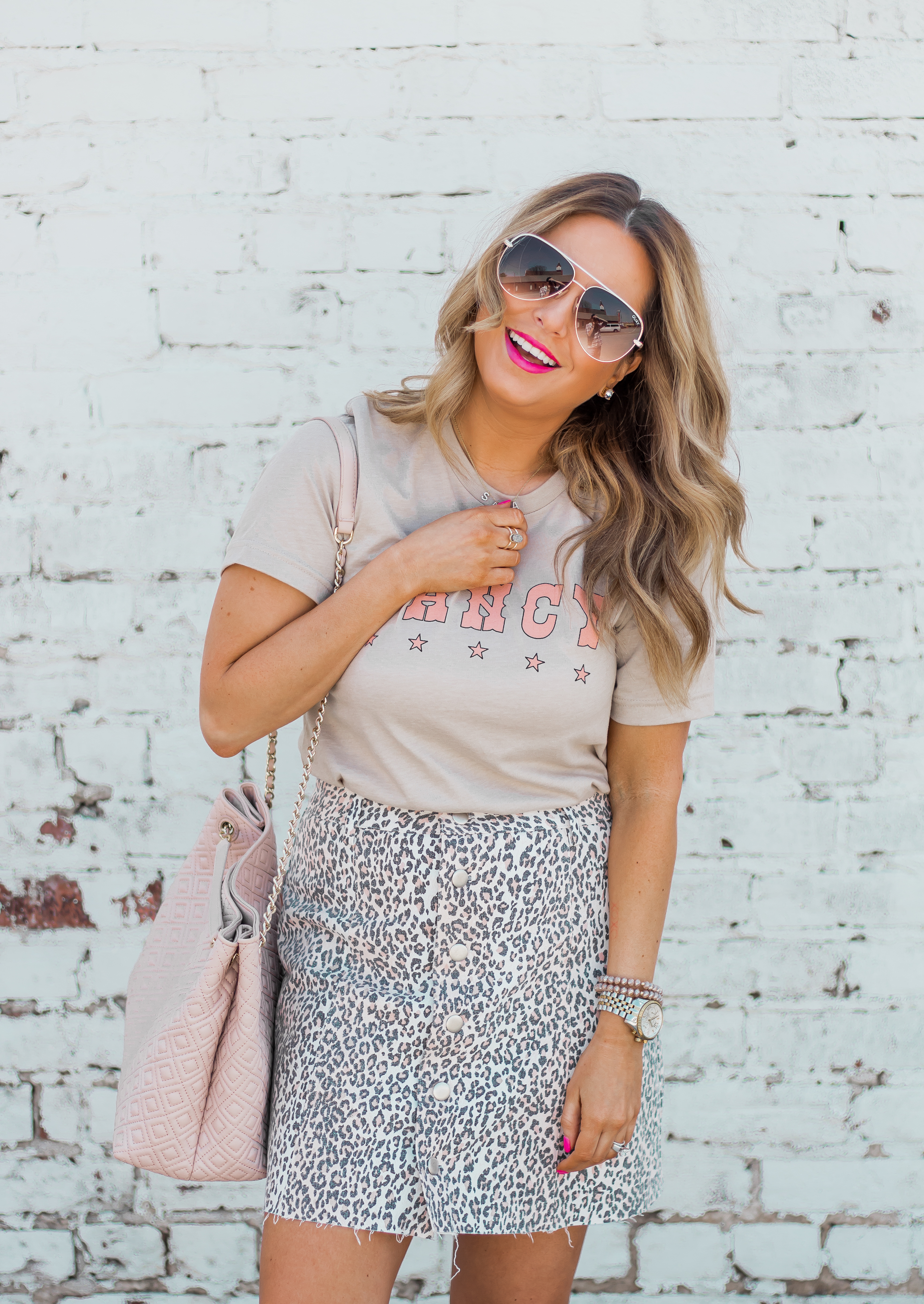Fancy Graphic Tee-Leopard Skirt-Sugar Boutique-$250 Gift Card Giveaway-Tory Burch Fleming Bag-Quay Sunglasses-Sabby Style-Omaha Blogger-Women's Fashion-Spring Fashion-Summer Outfit-3