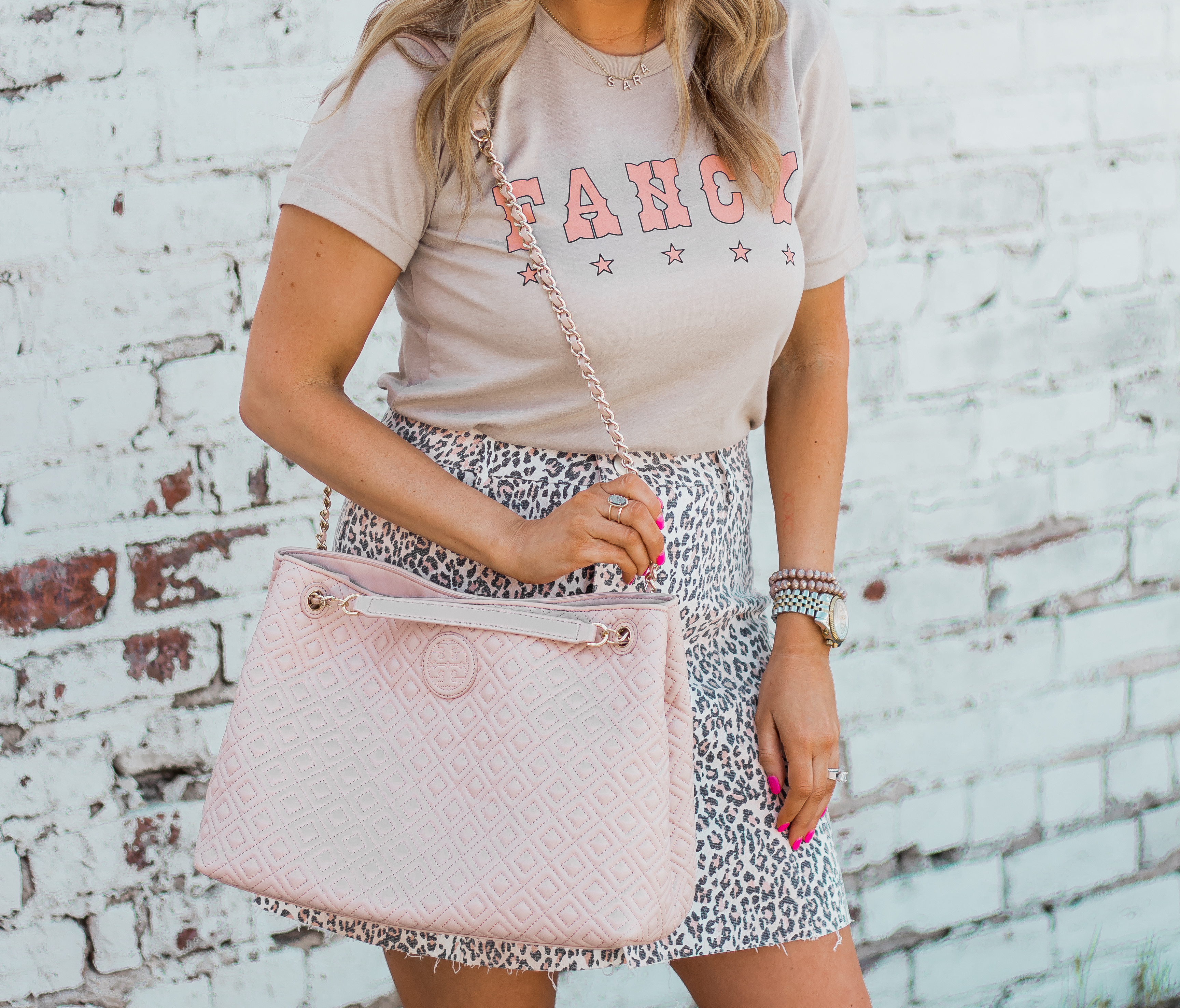 Fancy Graphic Tee-Leopard Skirt-Sugar Boutique-$250 Gift Card Giveaway-Tory Burch Fleming Bag-Quay Sunglasses-Sabby Style-Omaha Blogger-Women's Fashion-Spring Fashion-Summer Outfit-8